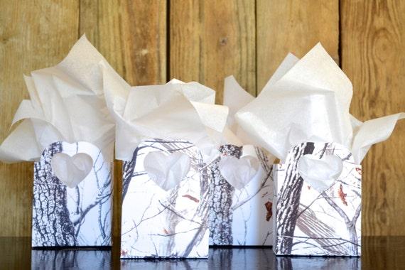 Winter Snow Camo Heart Handled Gift Bags, RealTree Hardwoods White