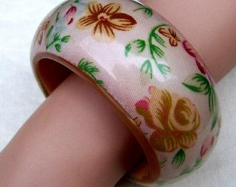 Vintage bangle bracelet amber Lucite painted floral designer bracelet (104)