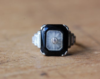 Antique Art Deco costume camphor glass and faux onyx ring