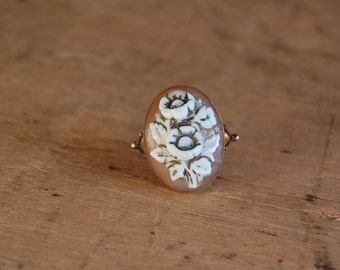 Vintage 18K flower cameo ring ∙ carved cameo ring
