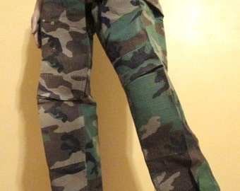 Authentic Army Camouflage Pants. Military Camouflage Pants. Unisex Adults.