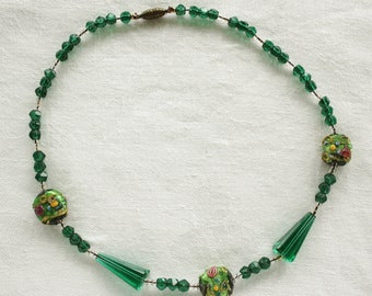 Vintage Art Deco Lampwork and Faceted Green Czech Glass Necklace