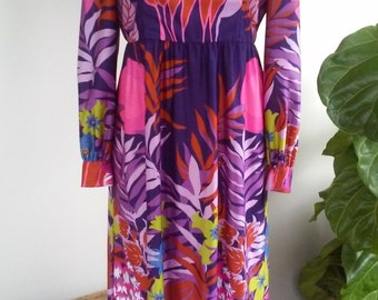 70s JUNGLE CATS DRESS--Pink Tigers--Pink Leopards--Big Fronds & Leaves--High Neck--Maxi--Back Zipper--Amazing Print and Colors--Size 12