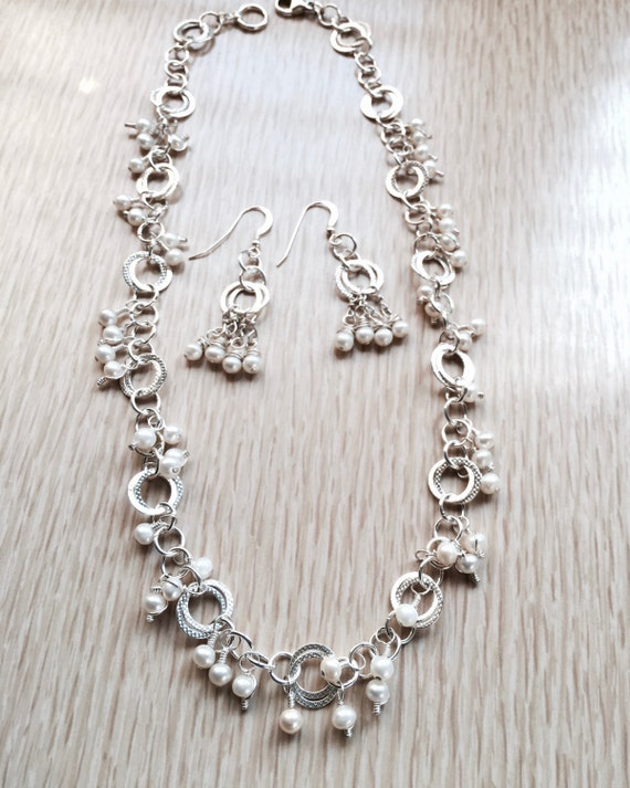 Freshwater Cultured Pearl Necklace Earring Set Textured Silver Chain Hand Wired