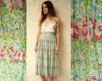 Vintage 1970's Pretty Floral Pattern Midi Skirt Size XS