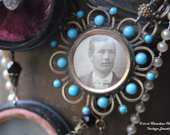 MR. TURQUOISE--Antique Victorian Turquoise Glass Photo Pendant Faux Pearl NECKLACE
