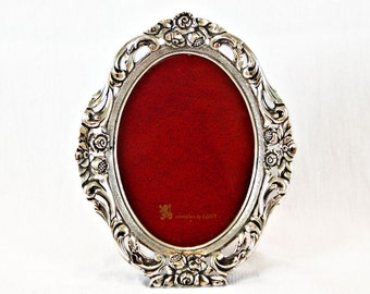 SALE Vintage LUNT Oval silver plated picture frame with glass flower scroll detail antique oval frame - vintage wedding decor silverplate