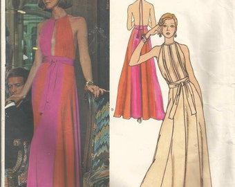 1970s Pucci Backless Slit Bodice Evening Gown Flared Skirt Vogue Couturier Design 2958 Size 8 Bust 31.5 Women's Vintage Sewing Pattern