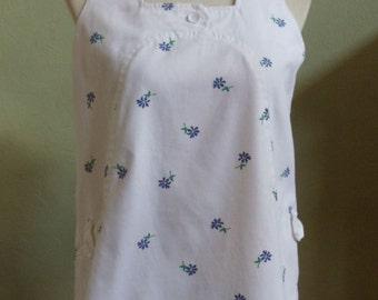 "Vintage Saks Fifth Avenue White Sleeveless Blouse / Smock Floral Print FRT Hip Pockets Back Zipper Bust 36"" Waist 40"" (flared)"