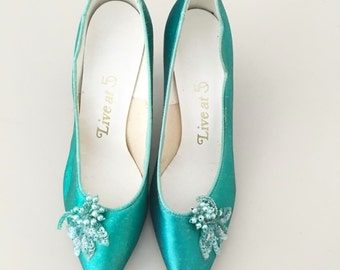 Vintage Seafoam Heels with Sequin Beaded Flowers / 90s Blue Floral Pumps / 7 - 7.5