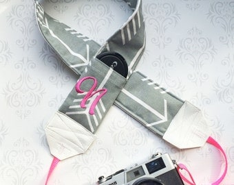 Personalized DSLR Camera Strap, Extra Long, Padded with Lens Cap Pockets, Nikon, Canon, DSLR Photography, Photographer - Gray Arrows & Pink