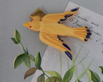 Vintage Carved Yellow Bakelite  Bird Snap Button Brooch by Singer-Cohen