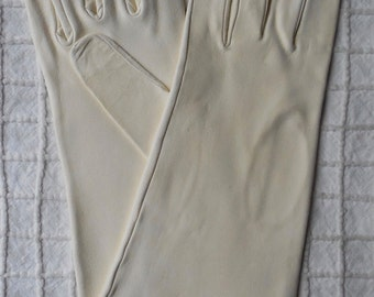 "11"" UnWorn White French Kid Leather Gloves Size 8"
