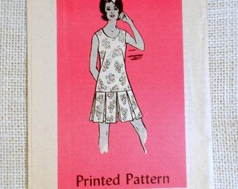 Vintage sewing pattern Anne Adams 4779 skort Bust 36 drop waist pleated 1960s culotte mini skirt pantskirt shorts play suit retro Mad Men