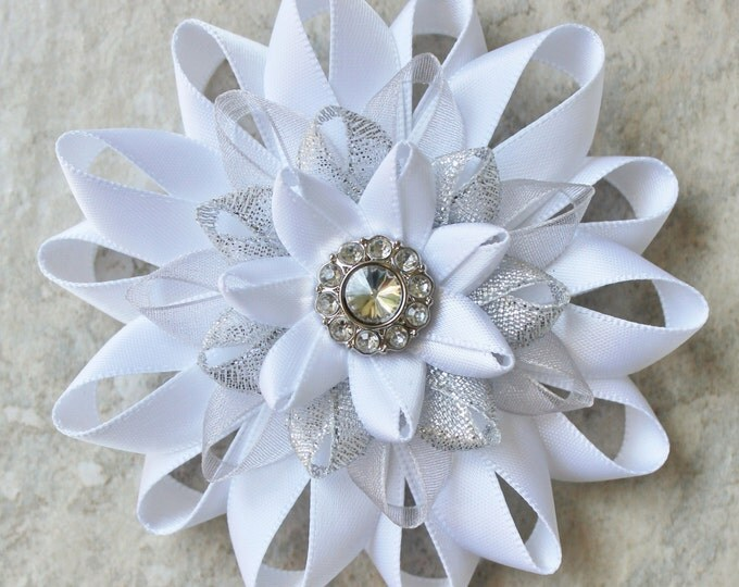 White Flower Pin, White Dress Pin, White Flower Clip, White Corsage Pin, White and Silver Corsage Flower, Prom Corsage, Wedding Corsage