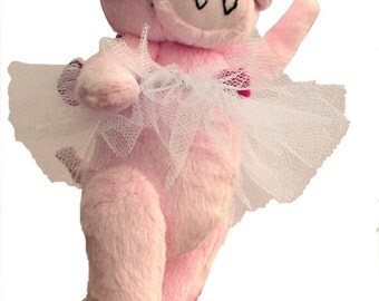 Priscilla Piggles soft toy dancing pig sewing pattern