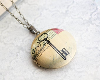 Vintage Style Locket Necklace Skeleton Key Photo Locket Pendant Long Layering Necklace Postage Stamp Traveller Keepsake Jewelry Memories
