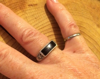 Sterling Silver Marcasite and Onyx Ring Size 6