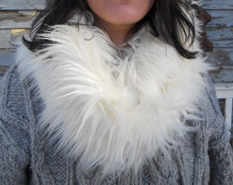 """Infinity Scarf - Faux Fur - one size fits all - fleece lining - white 2"""" faux fur - 10"""" X 42"""""""