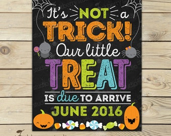 Halloween Pregnancy Announcement Chalkboard Sign Printable - Halloween Baby Announcement - Pregnancy Reveal to Grandparents - Were Expecting