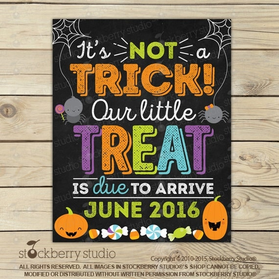 halloween pregnancy announcement chalkboard sign printable halloween baby announcement. Black Bedroom Furniture Sets. Home Design Ideas