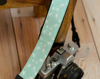 Camera Strap - DSLR Camera Strap - Nikon Camera Strap - Canon Strap - Padded Camera Strap - Sea Turtles - Turltle Gift - Tiny Turtles Green