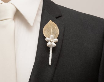 Fall Boutonniere - Wedding Boutonniere - Gold Leaf Boutonniere with a White Pearl Flower - Rustic Boutonniere - Autumn Wedding