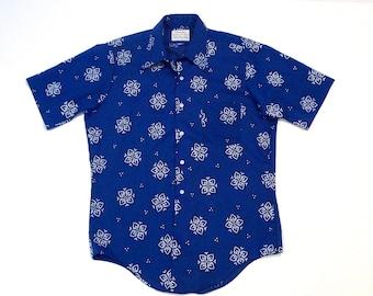 Arrow Bright Blue Flocked Shirt Vintage Belmont Club Blue with White Flocking Short Sleeve Shirt 1950s 1960s  Mens Small Medium Trim Fit