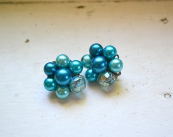1960s Turquoise Pearl Cluster Clip Earrings