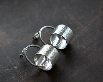 Sterling silver circle stud earrings. Sterling silver post earrings. Silver jewellery. Handmade.