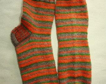 28 cm /// 11 inches Gorgeous Woolen Hand Knitted Socks-Perfectly keep heel - Wool Socks - US Men 10.5 /// US Women 12 /// EU 44