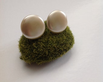 Plastic 50's Ivory Disc Earrings