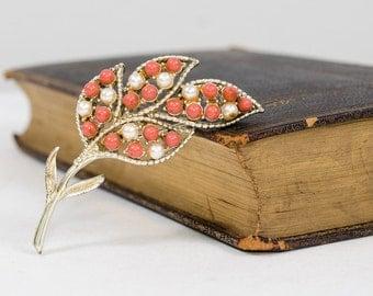 50% OFF SALE / 1950s vintage brooch / leaf brooch / Coral & Pearls