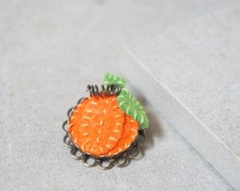 Little Pumpkin Pins - Pumpkin Brooch - Gourd Brooch - Gourd Pin - Halloween Pin - Autumn Pin - Pumpkin Patch - Felt Pumpkin Pin - Felt Guord