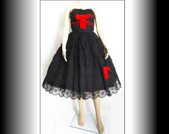 Vintage 1950s Dress//50s Dress//Black// Garden Party//New Look//Mod//Mad Man