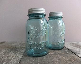 Set of 2 - Vintage Blue Ball Quart-Size Mason Jars with Zinc Lids / Vintage Mason Jar / Blue Ball Jar