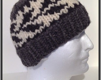 """Vintage Canadian Style Wool Toque """"Arrows"""""""