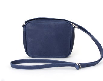 Crossbody Zip Bag vegetable tanned leather Navy Blue, removable adjustable strap, clutch purse