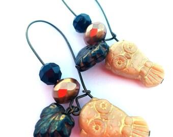 Gold earrings - gold owls - leaf earrings - Owl jewelry - forest jewelry - woodland jewerly - black, copper - czech glass - tree, leaves