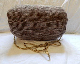 Brown wool woman's muff