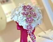 Beautiful Teardrop Button & Brooch Wedding Bouquet