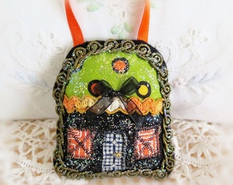 Halloween House Ornament 3 Inch Halloween Cottage Pillow Door Hanger Autumn Fall  Primitive Party Favor Decoration CharlotteStyle Home Decor