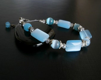 Light Aqua Cats Eye Bracelet, Beaded Bracelet, Cats Eye and Crystal  Bracelet