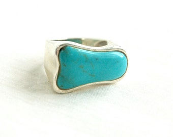 Modern Turquoise Ring Vintage Sterling Silver Size 6 .5 Asymmetrical Blue Howlite Modern Southwestern Jewelry