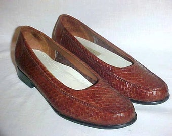 Vintage Trotters Brown Leather Woven Flats, Slip On Loafers, Casual Shoes, Made in Brazil, Size 8 N