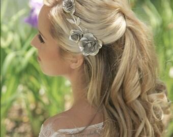 Gold Hair clip, Silver flower Hair Clip, Silver Wedding Headpiece, Silver Bridal Flower Clip, Bridal Hair Accessories, Gold Leaves Headpiece