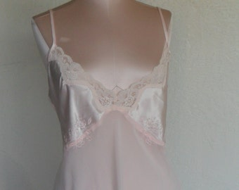 Vintage Baby Doll Chiffon Lace Satin Nightgown Size Large Expressions by California Dynasty