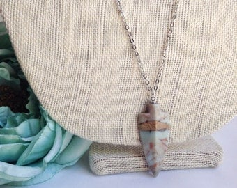 Stone arrowhead necklace, Long boho chic layering necklace, simple bohemian necklace, semiprecious stone necklace, thin chain, hippie gypsy