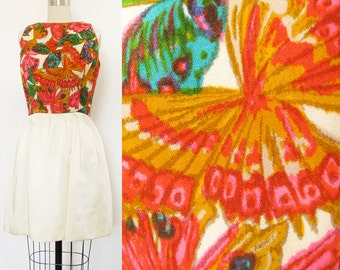 Vintage Butterfly Dress . 1960s Colorful Butterfly Print Dress . Size Small