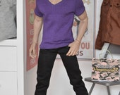 1/6th scale purple V-neck T shirt for: male figures and dolls